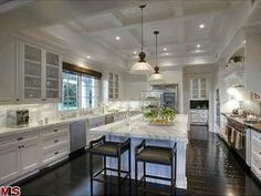 Wayne Gretzky's Luxury Home >> http://www.frontdoor.com/doory/celebrity-homes?soc=pinterest