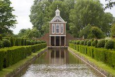 """Dutch-style"" canal and dutch pavillion (1696-1705)"