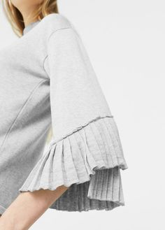Pull-over manches plissées Pullover, Couture, Dress Codes, Pulls, My Outfit, Latest Trends, Sweaters For Women, Bell Sleeve Top, My Style