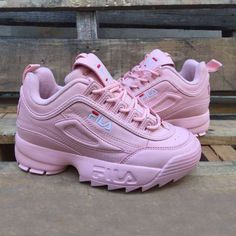 Fila Disruptor Pink Girls Sports are back. FILA Disruptor Low in Pink and with a FILA logo on the shoe tongue. Best Quality First Copy Shoes. Moda Sneakers, Cute Sneakers, Shoes Sneakers, Converse Sneakers, Black Sneakers, Casual Sneakers, Sneakers Balenciaga, Fila Outfit, Sneakers Fashion