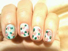 Lauren Conrad's DIY floral nails