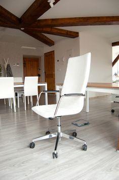 Rozhodujete se od koho si necháte vybavit kanceláře?  Podívejte se na naše výsledky - vybavovali jsme advokátní kancelář.  Realizace kanceláří na klíč - OFFICITY! Prvotřídní kvalita materiálů. Individuální přístup. Vyzkoušejte nás :-) #officity