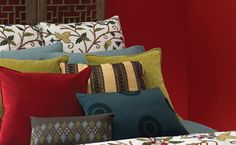 Benjamin Moore illustrates how the eclectic style allows you to mix incredible colours and bold patterns. Check out Caliente AF-290 on the walls; great colour, isn't it? All of Benjamin Moore's stunning array of colours and products are proudly carried by Central! #BenjaminMoore #red #bedroom