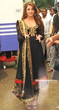 Tantalizing Black Salwar Kameez