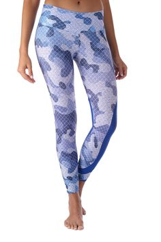 Blue Camo w/ Mesh Leggings These beautiful Brazilian leggings are super fun and durable providing a four way stretch and a body slimming design! Features: Wide waistband Suitable for Running, Yoga, Pilates, Working Out, Dance, cycling and More Pilling resistant Quick Dry Superior polyester Cool, thick and soft material Size Chart: S/M 0-6 (US) M/L 6-10 (US) L/XL 10-14 (US)