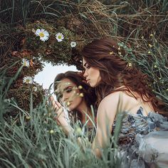 Discover recipes, home ideas, style inspiration and other ideas to try. Mirror Photography, Photography Poses Women, Fantasy Photography, Creative Photography, Portrait Photography, Fashion Photography, Forest Photography, Outdoor Photography, Creative Photoshoot Ideas
