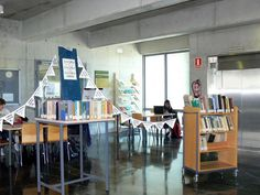 San Alberto, patrono de la EPS. Mercadillo de libros | Flickr - Photo Sharing!