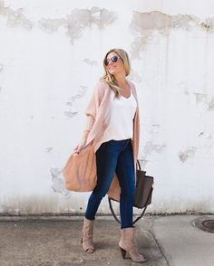 OOTD delimma, solved. Slip into a pair of NYDJ's Perfect Fit. // NYDJ Jeans, NYDJ Jeans Outfits, Jeans Outfits, fall denim