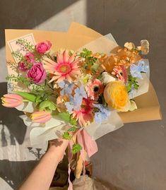 "Flowers 🌺 on Twitter: ""… "" Nature Aesthetic, Flower Aesthetic, My Flower, Beautiful Flowers, Arte Floral, Planting Flowers, Floral Arrangements, Floral Wreath, Aesthetics"