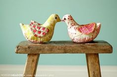 Make a Bird Pin Cushion DIY with pattern download... #pincushion #fabric #sewing