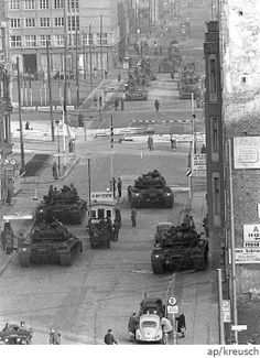 Western and Soviet tanks face off at Checkpoint Charlie during the Berlin Crisis, Moment near by a third World-war. East Germany, Berlin Germany, World History, World War Ii, Indira Ghandi, Berlin Hauptstadt, Checkpoint Charlie, Berlin Wall, Modern History