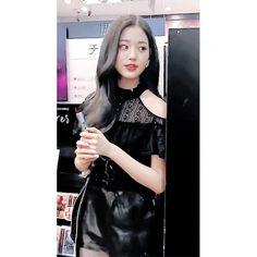 아이즈원 장원영 사진/움짤(16) Cute Girls, Leather Jacket, Pretty, Jackets, Gifs, Kpop, Photos, Ideas, Fashion