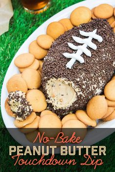 This easy, no-bake dessert dip pays tribute to America's favorite pastime: peanut butter. This easy, no-bake dessert dip pays tribute to America's favorite pastime: peanut butter. Dessert Party, Dessert Dips, Köstliche Desserts, Dessert Recipes, Diabetic Desserts, Birthday Desserts, Football Desserts, Football Party Foods, Football Food