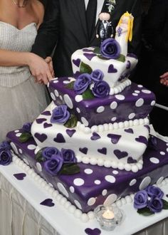 What a super idea for a birthday cake for someone who loves purple.