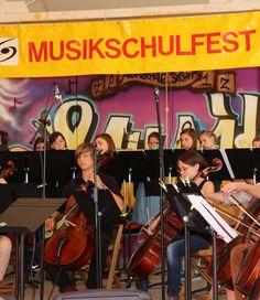 Konzerte, Mitmachaktionen, Spiele rund um die Musikschule.