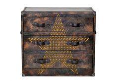 ANDREW MARTIN CassettieraHoward Star StuddedFudge,cm 105x50x90h, 2.383 euro.