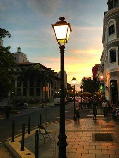 Calle Del Recinto Sur Esquina Calle Tanca...Beautiful San Juan, Puerto Rico