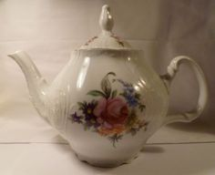 Bernadotte-SONATA-Gold-Trim-Teapot-Scalloped-Edge-PORCELAINE-FINE-DE-BOHEME