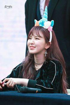Wendy - my bias wrecker Park Sooyoung, Wendy Red Velvet, Red Velvet Irene, Extended Play, Seulgi, Divas, Wendy Son, Girls Group Names, Korean K Pop
