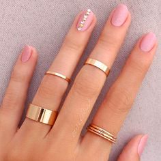 27 Ideas To Do Love Nails For Your Special Day Wedding, especially a dress and nails, mean the world to all the women. Here our adorable collection of nail designs for your special day. Cute Jewelry, Jewelry Accessories, Women Jewelry, Nude Nails, Pink Nails, Fancy Nails, Matte Nails, Glitter Nails, Coffin Nails