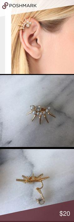 Elizabeth Cole ear cuff Elizabeth Cole pearl/diamond/gold earring cuff. Swarovski round crystal with glass pearls & spikes. 14KT gold plated brass. Clip on back Elizabeth Cole Jewelry Earrings