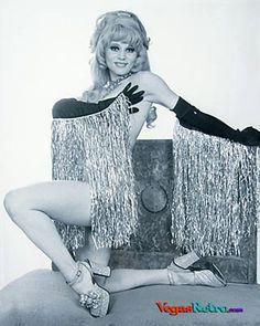 1971 70s burlesque artist
