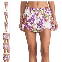 "BB Dakota Kelton Orchid Printed shorts Self and lining: 100% polyester. Shorts measure approx 12"" in length. Elastic waist. In great condition, no flaws. ❌no trades❌ BB Dakota Shorts"