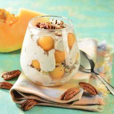 Perlas de Melón con Yoghurt de Nuez