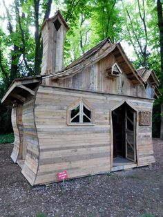 Pallet Cabin Built for Funny Cabins Exhibition | 101 Pallet Ideas