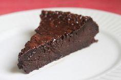 Aprenda a fazer um delicioso bolo de chocolate gelado. (Foto: Divulgação) Chocolate Lava, Love Chocolate, Chocolate Recipes, Icebox Cake, Frozen Desserts, Yummy Cakes, Coco, Cupcake Cakes, Steak