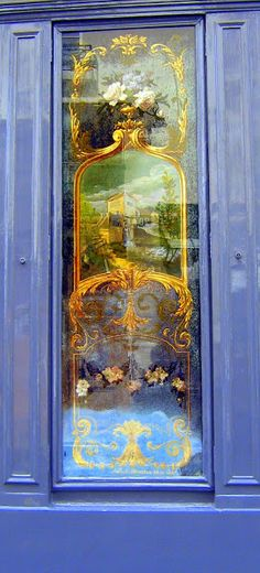 Etched Glass Door in Paris, France - http://frenchaz.blogspot.ca/2011/06/courtyards-cobbled-lanes-and-pretty.html?m=1
