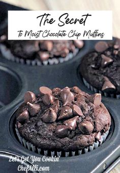 Search no further, for you have just uncovered THE BEST chocolate muffin recipe! These Moist Chocolate Chip Muffins are all that one longs for in a muffin - super chocolatey, dense, and moist. Cranberry Muffins, Muffins Blueberry, Best Chocolate, Homemade Chocolate, Chocolate Recipes, Morning Glory Muffins, Donut Muffins, Moist Chocolate Chip Muffins, Chocolate Chips