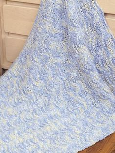 Knitting - Baby Knitting Patterns - Easy Shells Baby Blanket