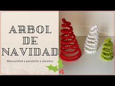 Árbol Navidad tejido a ganchillo sobre alambre