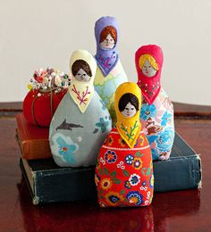 Inspiration - Russian doll ornaments - simple shape, use fabric scraps & felt (by Specks & Keepings)