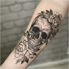 Yes! I want a skull in my flower sleeve, # flower sleeve . - Yes! I want a skull in my flower sleeve # Flower sleeves like to - Forearm Tattoos, Body Art Tattoos, Tatoos, Small Tattoos, Rosary Tattoos, Bracelet Tattoos, Tatuajes Tattoos, Tree Tattoos, Heart Tattoos