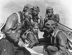 "The Association for the Study of African American Life and History, (ASALH), 2018 Black History month theme is ""African Americans in Times of War."" SweetMe salutes the Tuskegee Airmen American Veterans, American Soldiers, Us History, History Facts, Ancient History, Black History Month, Tuskegee Airmen, Fighter Pilot, African American History"