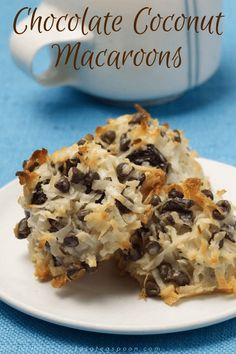 Oh, the happy flavor combos you can make with these Magnificent Coconut Macaroons! Punch up this classic by adding dried fruits, nuts and even chocolate! Chocolate Coconut Macaroons, Coconut Cookies, Coconut Flour, Cookie Recipes, Dessert Recipes, Bread Recipes, Toasted Almonds, Vegetarian Chocolate, Gluten Free Desserts