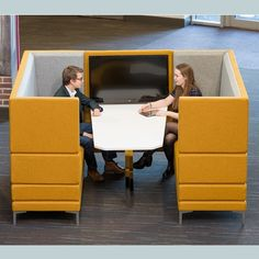 HenRay | Soft Seating | Breakout Seating | Office Seating