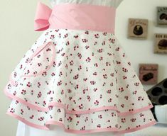Cherry vintage apron style by Spicerak Designs lady retro patchwork Vintage Apron Pattern, Retro Apron, Aprons Vintage, Apron Patterns, Sewing Aprons, Sewing Clothes, Diy Clothes, Personalized Aprons, Cute Aprons