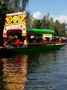 Trajinera Xochimilco, México