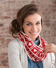 Hearts will always be popular for crochet projects and it's always fun to find something new. This quick little cowl will give you a chance to practice color changing and end with the perfect gift for a loved one, even if the loved one is yourself!   You can pick up your free pattern down