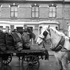 Horse and cart coal delivery. by Frederick James Wilfred. Museum of London Vintage London, Old London, South London, 19th Century London, Uk History, British History, Old Street, Coal Mining, Horse Drawn