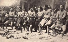 Pinner sez: Maori Traditional Haka- I want to travel to where it all started, New Zealand. I've seen many Haka but I want to experience seeing this on their native land. Haka New Zealand, Polynesian People, Polynesian Dance, Cross Cultural Communication, Maori Tribe, Maori People, Maori Art, Papua New Guinea, Historical Photos