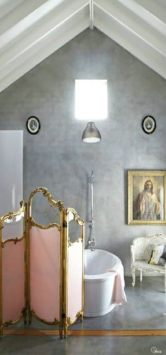 French Flair ● Bathroom // Pinned by andathousandwords.com