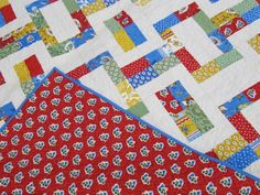 If you've ever succumbed to the temptation of a jelly roll, you're probably in need of some creative jelly roll quilt ideas! You'll find tons of projects you haven't thought of yet in this collection of 40 Free Jelly Roll Quilt Patterns. Jelly Roll Quilt Patterns, Patchwork Quilt Patterns, Quilting Patterns, Quilting Tutorials, Quilting Projects, Jelly Roll Sewing, Free Aran Knitting Patterns, Picnic Quilt, Jellyroll Quilts