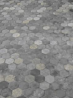 Hexagon Pavers in a dark colour pallett. Made out of recycled stone. Landscape Design, Garden Design, Landscape Pavers, Layout Design, Paving Pattern, Outdoor Patio Designs, Patio Layout, Design Jardin, Precast Concrete