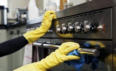 It's no secret that conventional oven cleaner is a harsh product. However, if you're after a more natural way that will deliver similar result then read on. With baking soda, vinegar and a few household supplies, you'll have your oven gleaming in no time. Deep Cleaning Services, Professional Cleaning Services, Cleaning Solutions, Cleaning Hacks, Duct Cleaning, Cleaning Products, Restaurant Cleaning, Self Cleaning Ovens, Kitchen Cleaning
