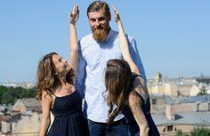 Ученые нашли преимущество высоких людей перед низкими http://www.belnovosti.by/family/51792-uchenye-nashli-preimushchestvo-vysokikh-lyudej-pered-nizkimi.html