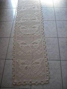 Only Crochet Patterns Archives - Beautiful Crochet Patterns and Knitting Patterns Crochet Table Runner, Crochet Tablecloth, Crochet Doilies, Crochet Home, Hand Crochet, Borboleta Crochet, Pinterest Crochet, Knitting Patterns, Crochet Patterns